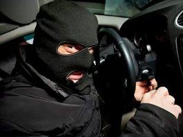 Половина московской полиции провалила проверку МВД